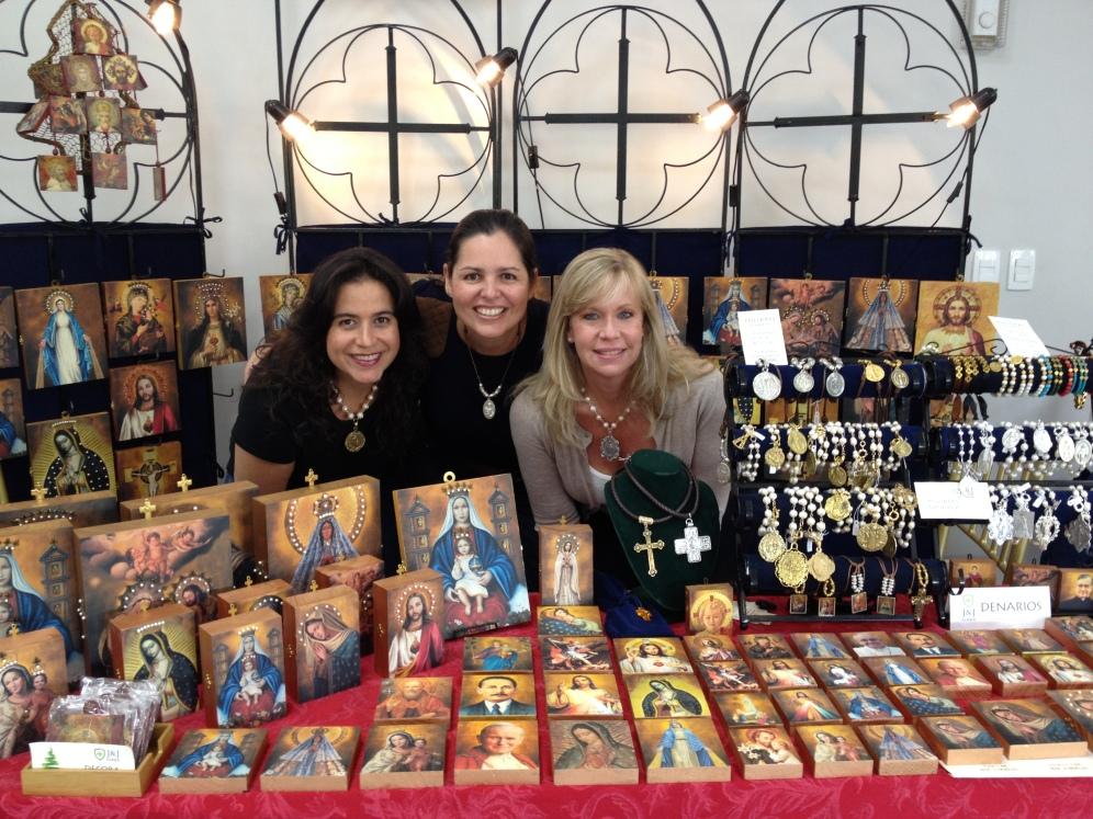 Bazar Prodein 2015 - Caracas | Maravilloso equipo de trabajo de Iconos J&J | Sara, Jeanniffer y Alexandra